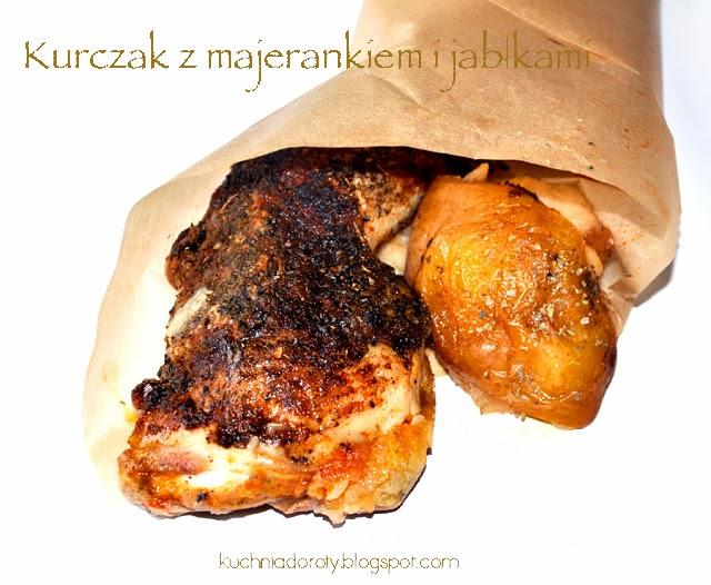 Kurczak pieczony w majeranku z jabłkami
