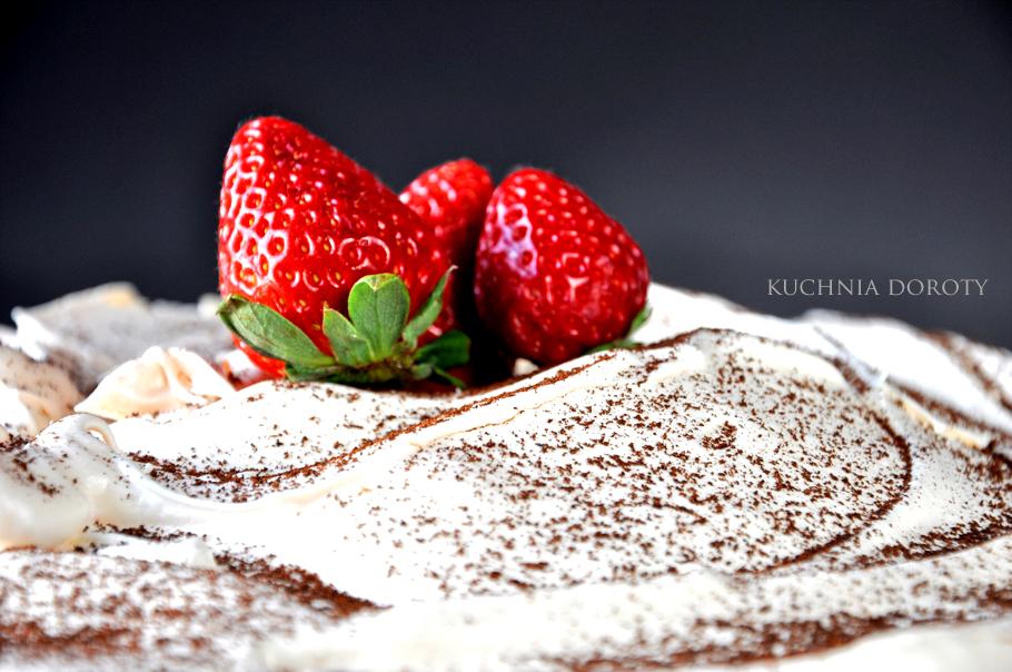 tort-bezowy-z-kremem