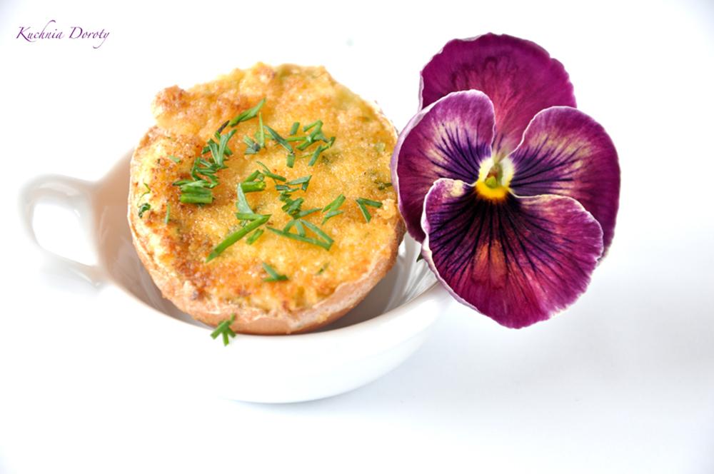 Jajka Faszerowane – Podawane na Ciepło
