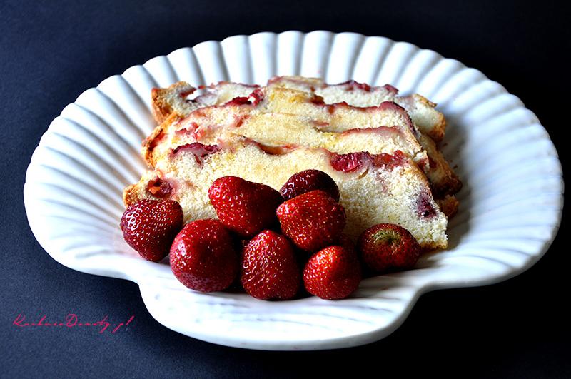 ciasto, ciasto przepisy, ciasto piaskowe, ciasto pieskowe przepisy, najlepsze ciasto piaskowe, ciasto z owocami, ciasto z truskawkami, ciasto z truskawkami przepisy, truskawki, truskawki przepisy,
