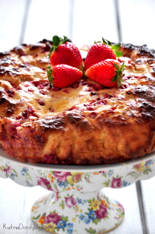 Ciasto drożdżowe z serem i truskawkami