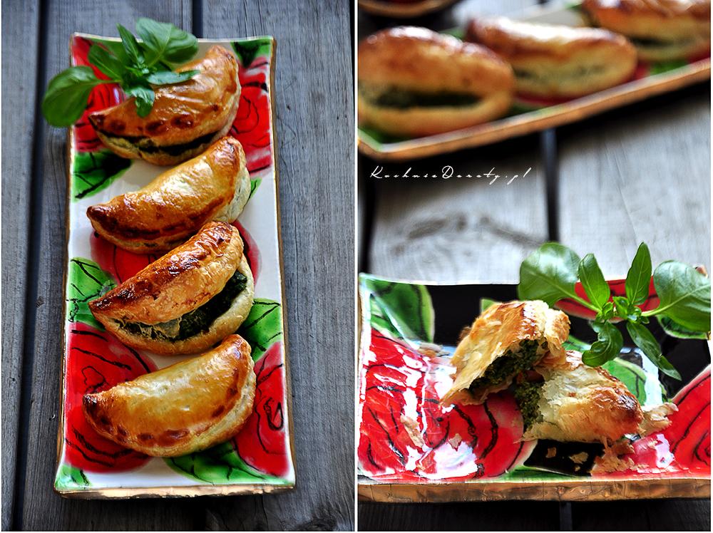Pierożki z ciasta francuskiego ze szpinakiem i suszonymi pomidorami
