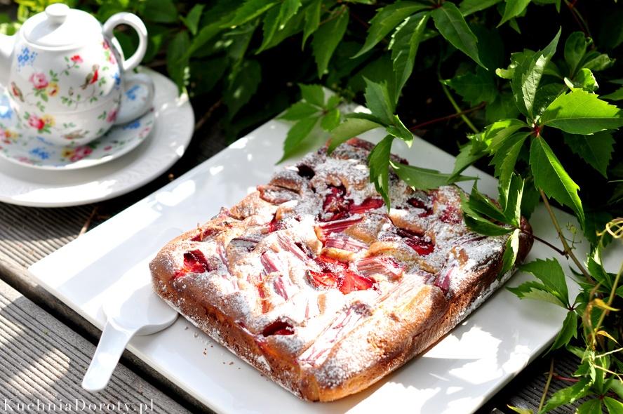 Ciasto Jogurtowe z Rabarbarem i Truskawkami  (bez miksera)