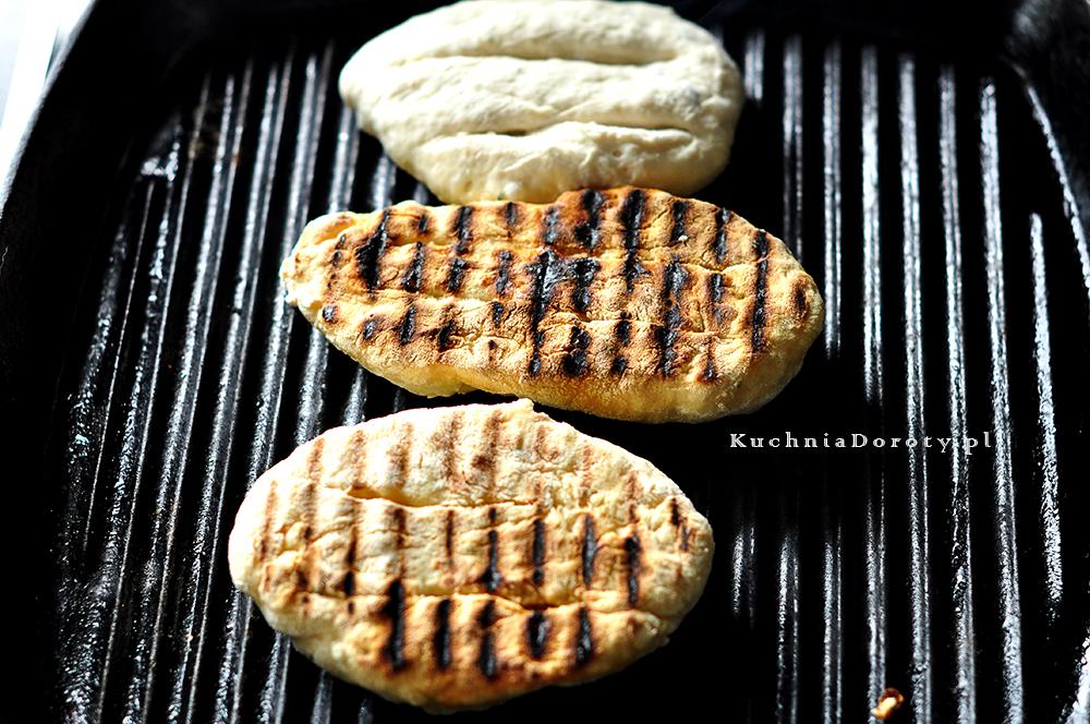 Płaskie chlebki z rozmarynem flatbread