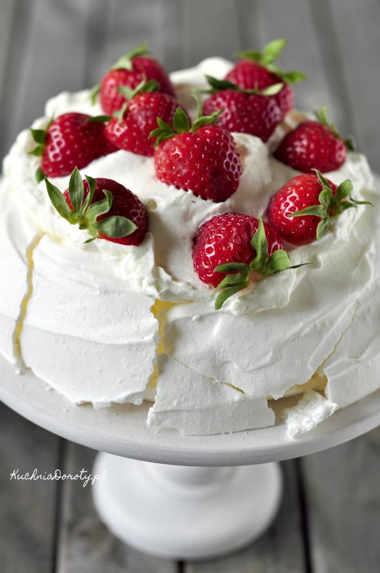 pavlova, pavlova przepis, anna pavlova, beza, beza przepis, jak zrobić bezę, sokoły, sokoły przepis, ciasto, ciasto przepis, łatwe ciasto, łatwe ciasto przepisy, ciasto bezpieczenia, ciasto bezpieczenia przepis