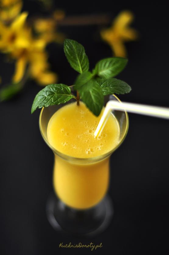 mango smoothie, mango smoothie przepis, koktajl, koktajl owocowy, koktajl owocowy przepis, koktajl truskawkowy, koktajl z mango, koktajl truskawkowy przepis, koktajl tumblr, koktajl pinterest, koktajle, napoje, napoje letnie