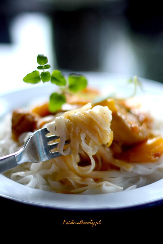 makaron, makaron przepisy, makaron z sosem, makaron z sosem przepis, kurczak, kurczak przepisy, obiad, szybki obiad, łatwy obiad