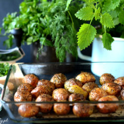 Młode Ziemniaki Pieczone z Ziołami