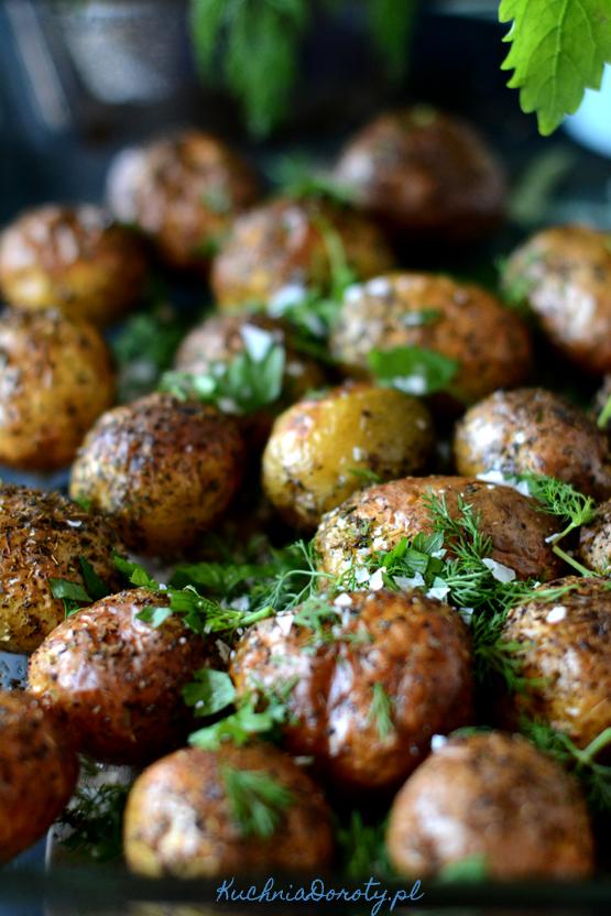 ziemniaki, kartofle, młode ziemniaki, młode ziemniaki przepis, ziemniaki pieczone, ziemniaki pieczone przepis, kartofle pieczone, kartofle pieczone przepis, ziemniaki do obiadu, ziemniaki kwestia smaku, kwestia smaku przepisy, kuchnia doroty