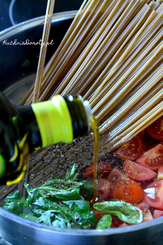 makaron, makaron zsosem przepis, makaron zsosem, makaron przepis, makaron w10 min, obiad w10 min, Makaron, makaron przepis, makaron zsosem, makaron zsosem przepis, pesto, pesto przepis, brokuły, brokuły przepis, warzywa, co zbrokułami,  obiad, szybki obiad, obiad w30 min, obiad wpół godziny, łatwy obiad