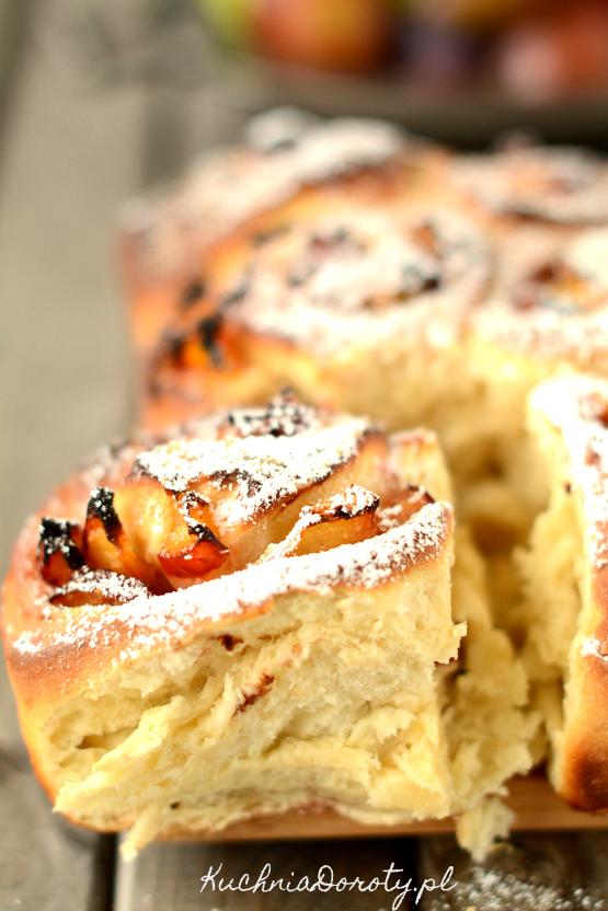bułeczki cynamonowe, bułeczki cynamonowe przepis, ciastka, ciastka przepis, ciastka z cynamonem, ciastka z cynamonem przepis, cynnamon rolls, ciasto, ciasto przepis, śliwki, śliwki przepisy, przepisy na śliwki, ciasto ze śliwkami, ciasto ze śliwkami przepisy, ciasto drożdżowe, drożdżowe przepisy, drożdżówki, drożdżówki przepisy, drożdże suche, ciasto z suchymi drożdżami