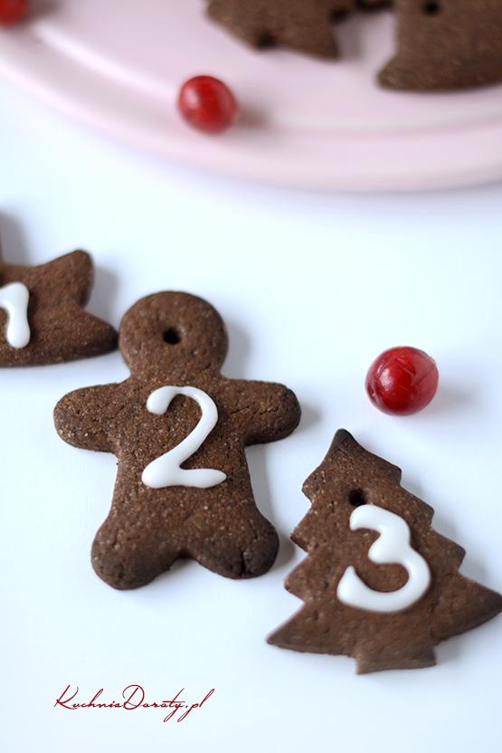 ciastka, ciastka przepis, ciastka czekoladowe, ciastka czekoladowe przepis, ciasteczka, ciasteczka czekoladowe, cistaeczka czekoladowe przepis, przepisy, ciasto, ciasto przepis, święta, święta przepisy, kalendarz adwentowy, kalendarz adwentowy pomysły, kuchnia doroty, pierniki, pierniki przepis, pierniczki, pierniczki przepis,