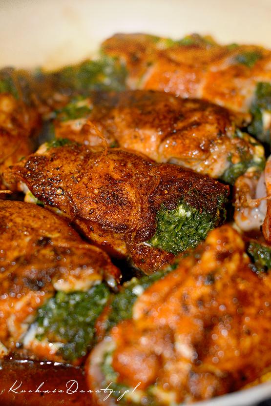 kurczak, przepis na kurczaka, kurczak przepis, kurczak przepisy, pomysły na obiad, przepisy, kurczak duszony, kurczak duszony przepisy , kurczak pieczony, obiady domowe, szybki obiad, obiad szybki przepis, kurczak faszerowany, kurczak faszerowany przepis, szpinak, szpinak przepis,