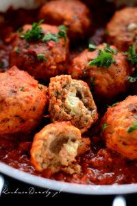 Klopsiki w Sosie Pomidorowym z Mozzarellą