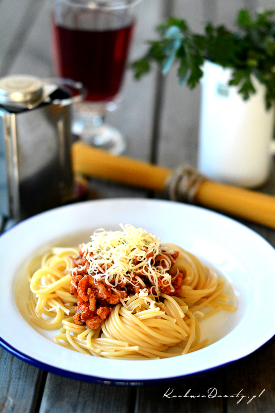 makaron, makaron przepis, makaron przepisy, makaron zsosem, makaron zsosem przepisy, makarony zsosem, makaron, makaron przepis, makaron przepisy, makaron zsosem, makaron zsosem przepis, spaghetti bolognese, spaghetti bolognese przepis, spaghetti bolognese przepisy, makaron zsosem pomidorowym, makaron zsosem pomidorowym przepis, spaghetti przepis, spaghetti, obiad, łatwy obiad, łatwy obiad przepisy, szybki makaron zsosem, sos pomidorowy,  pomidory, pomidory przepisy, przepisy