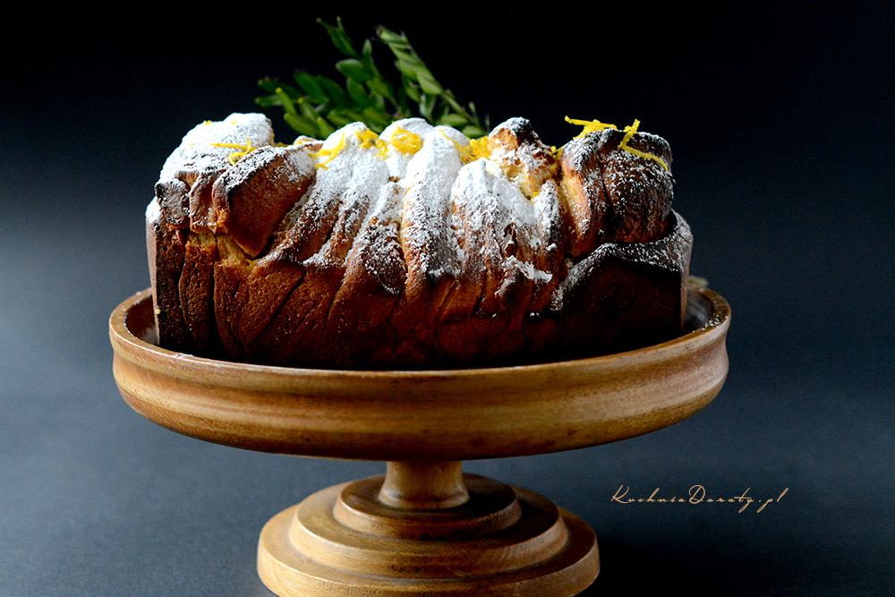 Ciasto Drożdżowe z Cytrynowym Nadzieniem – pull apart bread