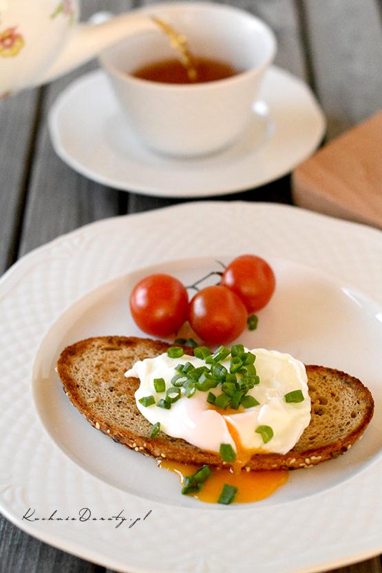 poached egg, poached egg recipe, poached eggs, jajko w koszulce, jako w koszulce przepis, jajka w koszulce, jajka w koszulce przepis, jak zrobić jajko w koszulce film, jak zrobić jajko w koszulce, jaja, jajka przepisy, przepisy, pomysły na śniadanie, śniadanie, śniadanie przepisy,
