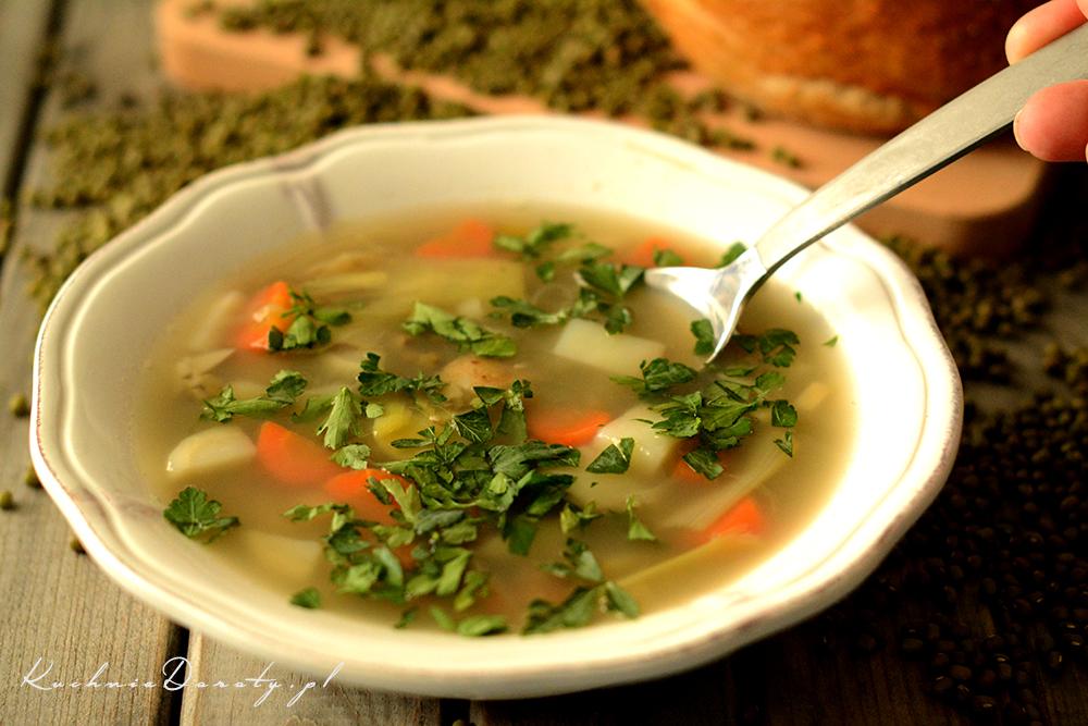 Zupa fasolowa z fasoli Mungo (maleńka zielona)