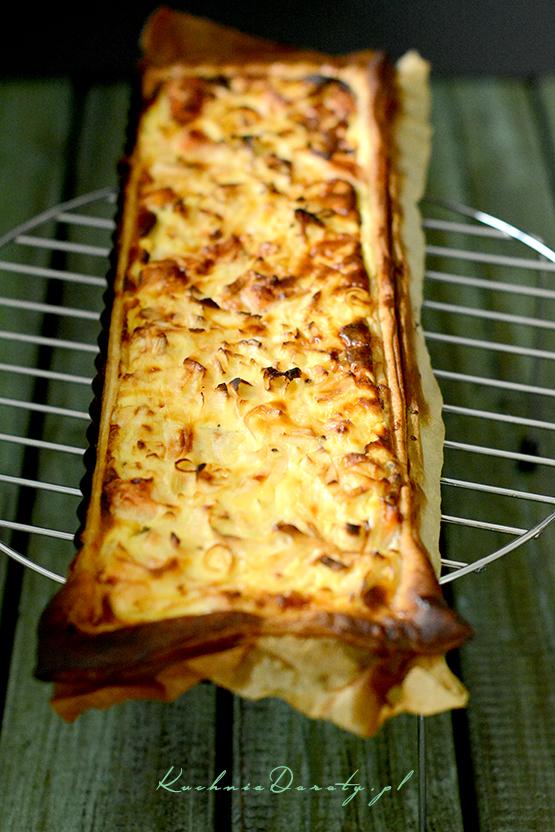 tarta, tarta przepis, tarta z łososiem, tarta z łososiem przepis, tarta z łososiem i porami, tarta z porem, tarta z porem przepis, tarta z łososiem i porami przepis, ciasto francuskie, ciasto francuskie przepis, ciasto, tarta na słono, tarta na słono przepis, łosoś, łosoś przepis, ciasto