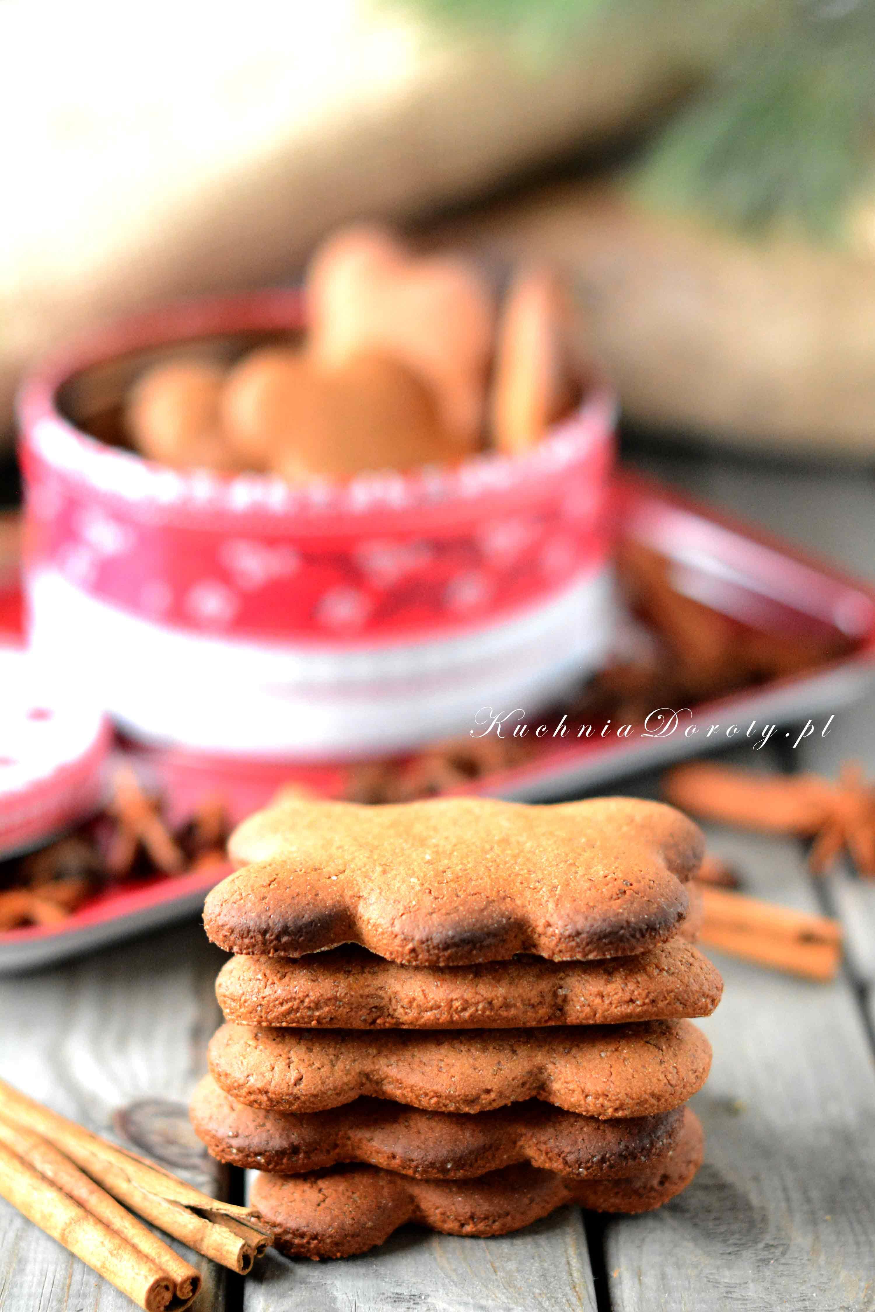 Tradycyjny przepis na pierniczki Katarzynki. Sprawdzony przepis na świąteczne ciastka.