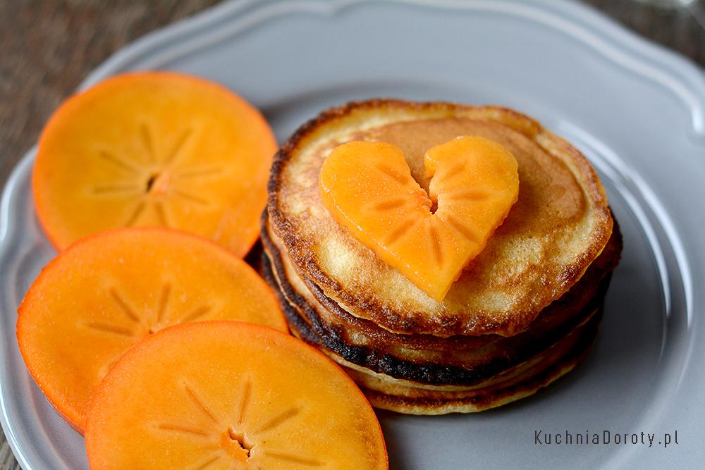 Placki śniadaniowe z owocami Kaki