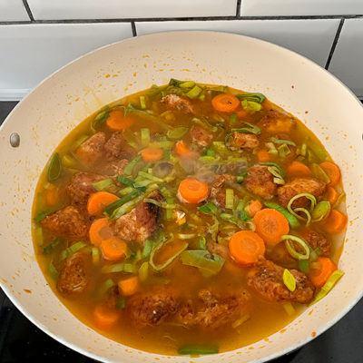 gulasz z kurczaka, przepis na gulasz z kurczaka, gulasz, gulasz przepis, gulasz wołowy, gulasz wieprzowy, gulasz z indyka, gulasz przepisy, gulasz węgierski, mięso na gulasz, jakie mięso na gulasz, co na obiad, szybki obiad przepisy, obiad w pół godziny, obiad w 30 minut przepisy, obiad w 30 minut, obiad przepisy,