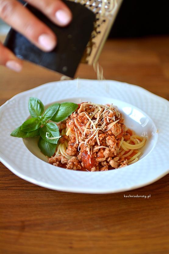 Spaghetti z Sosem Mięsno-Pomidorowym