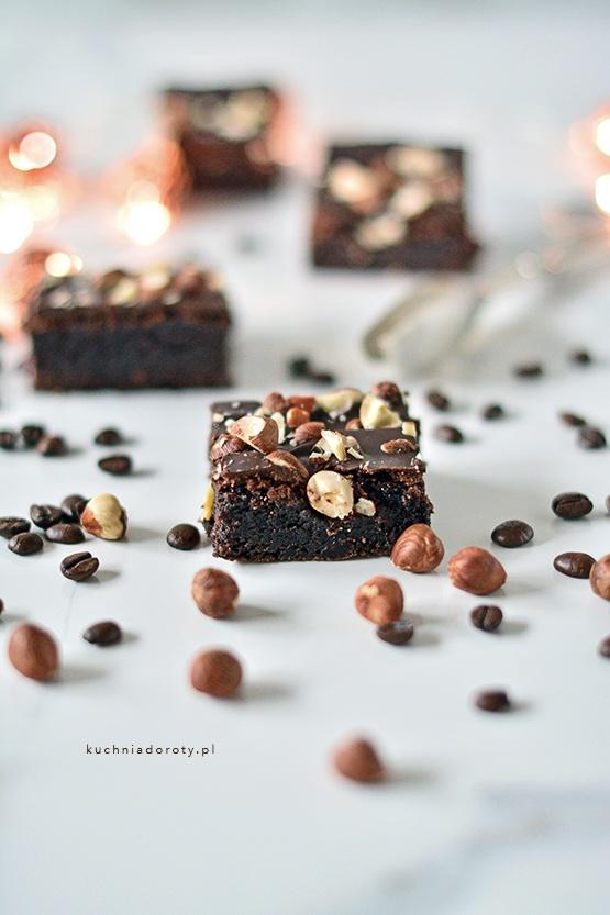 brownie, brownie przepis, czekolada, czekolada przepis, ciasto z czekoladą, ciasto z czekoladą przepis, przepisy kulinarne, ciasto czekoladowe, ciasto czekoladowe przepis, przepis na ciasto czekoladowe, łatwe ciasto, łatwe ciasto przepis, przepis na łatwe ciasto czekoladowe, wilgotne brownie, wilgotne brownie przepis, idealne brownie, idealne brownie przepie,