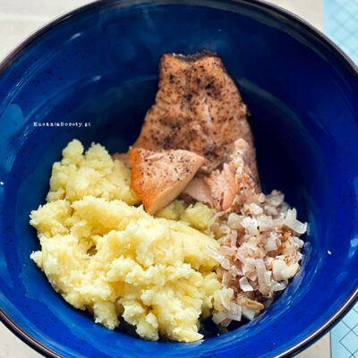 łosoś, przepisy na łososia, ryba, przepisy na rybę, ryba przepisy, łosoś przepisy, pierogi wegetariańskie, przepis na pierogi wegetariańskie, przepis na pierogi z łososiem , pierogi z łososiem, pierogi z ziemniakami i łososiem, pierogi z kartoflami, przepis na ciasto na pierogi, pierogi, pierogi przepis, jak zrobić pierogi, pierogi z truskawkami, pierogi z truskawkami przepis, truskawki, truskawki przepisy, ciasto na pierogi, ciasto na pierogi przepis, najlepsze ciasto na pierogi, najlepsze ciasto na pierogi przepis, łatwe ciasto na pierogi,  ciasto na pierogi z masłem, ciasto na pierogi z masłem przepis, jak zrobić pierogi, sprawdzone ciasto na pierogi, pierogi ze śliwkami, pierogi ze śliwkami przepis, sprawdzone pierogi,  jagodzianki, jagodzianki przepis, przepis na jagodzianki, kuchnia doroty, kuchnia doroty przepisy, kwestia smaku jagodzianki, kwestia smaku przepisy, kwestia smaku jagodzianki przepisy, moje wypieki, moje wypieki przepisy, moje wypieki jagodzianki, pierogi z kapustą i grzybami, postne pierogi z kapustą i grzybami, pierogi z kapustą i grzybami przepis, pierogi z kapustą i grzybami, przepisy, pierogi z kapustą i grzybami postne, pierogi z kapustą i grzybami wigilijne, pierogi z kapustą i grzybami wigilijne, pierogi z kapustą i grzybami na wigilię, święta, święta przepisy, wigilia, Pierogi z Grzybami, uszka do barszczu, obiad, pierogi jak mrozić, sposoby na mrożenie pierogów, przepisy,