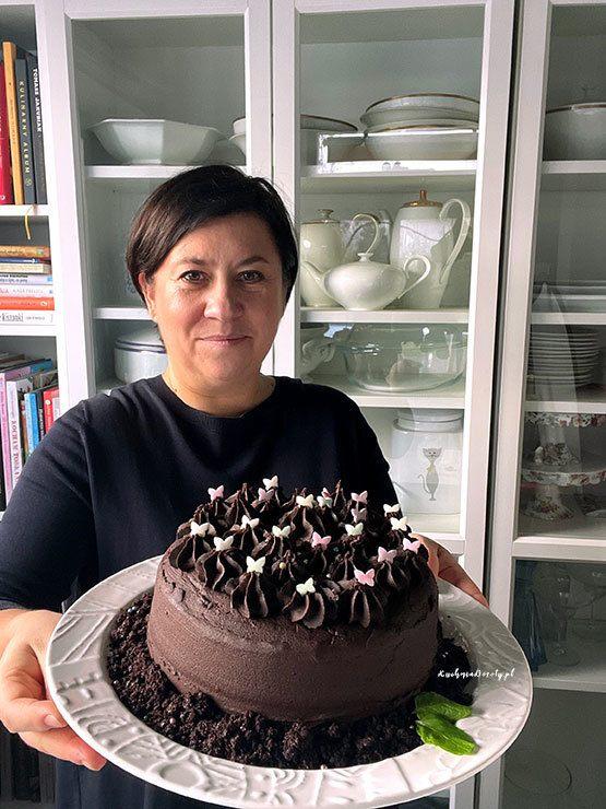 Najlepsze Ciasto Czekoladowe z wyjątkowym Kremem – przepis  z filmem